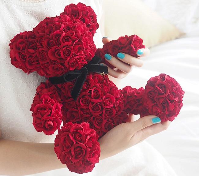 365輪の赤バラ「メッセージローズベア」