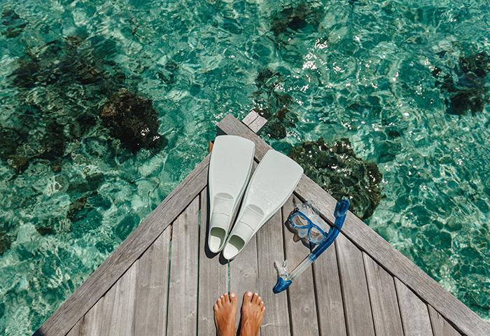 沖縄の海でシュノーケリング